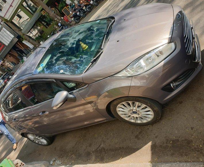 Cần bán xe Ford Fiesta đăng ký 12/20160