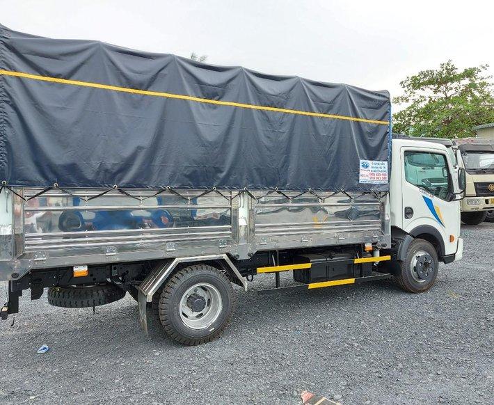 Xả hàng tồn xe tải Nissan N200 1t9 thùng dài 4,3m đời 20196