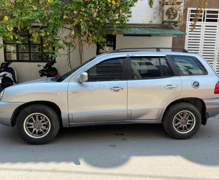 Cần bán xe Hyundai Santa Fe đời 2004, màu bạc, nhập khẩu nguyên chiếc còn mới1