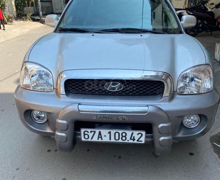 Cần bán xe Hyundai Santa Fe đời 2004, màu bạc, nhập khẩu nguyên chiếc còn mới2