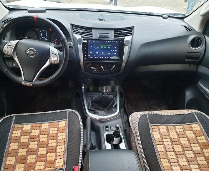 Cần bán gấp Nissan Terra đời 2019, màu trắng giá cạnh tranh3