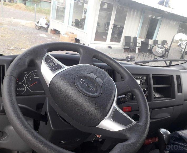 Xe tải JAC N350 3T5 thùng dài 4,3m, động cơ Isuzu cabin vuông, trả trước 100tr nhận xe2