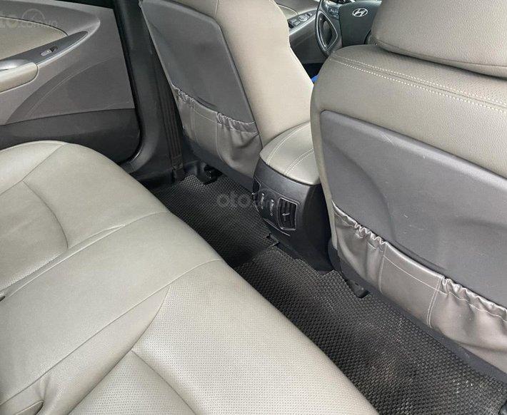 Chính chủ Hyundai Sonata 2011 tự động5