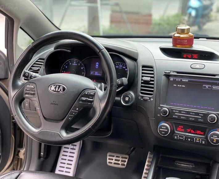 Bán Kia K3 2.0 2014 rất đẹp, xe đi được 86 000km10