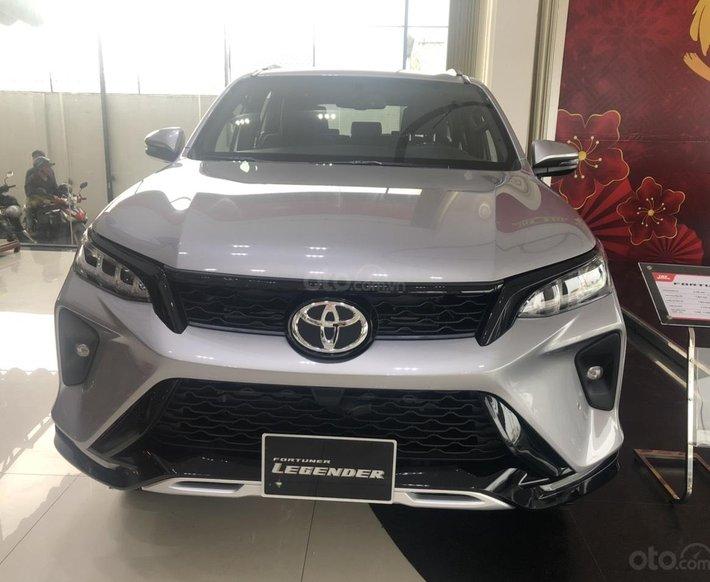 Bán xe Toyota Fortuner 2.4 số tự động, máy dầu giao ngay0