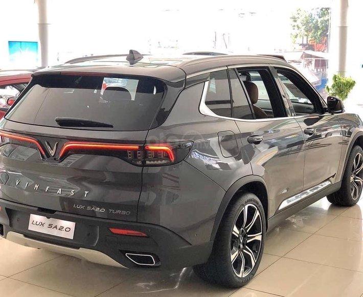 Đức Anh Vinfast cần bán Vinfast Lux SA 2.0L màu xám giao ngay, xem xe Gò Vấp1