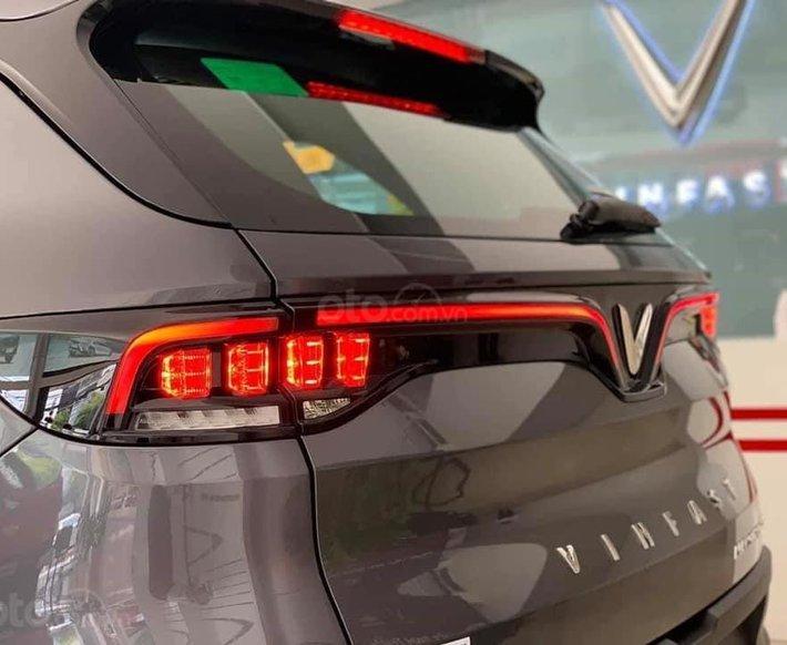 Đức Anh Vinfast cần bán Vinfast Lux SA 2.0L màu xám giao ngay, xem xe Gò Vấp2