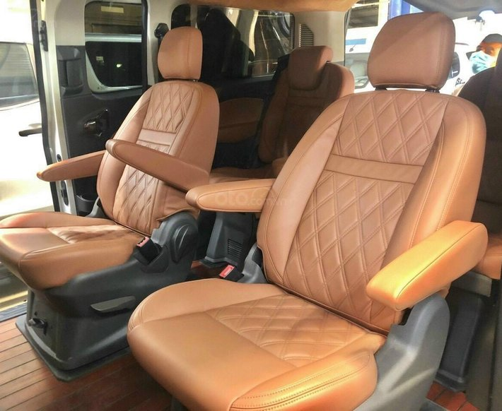 Xe lướt - bán Ford Tourneo Titanium đời 2019, màu trắng5