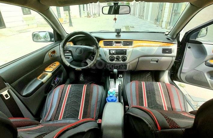 Bán nhanh Mitsubishi Lancer, dáng Sedan hạng C, nồi đồng cối đá, người già ít đi dùng cẩn thận, giá rẻ5