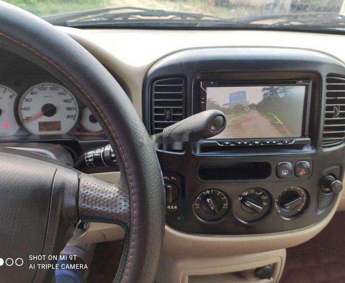 Cần bán gấp Ford Escape sản xuất năm 2004 còn mới, giá 198tr8
