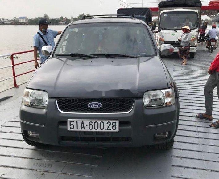 Cần bán gấp Ford Escape năm 2002, màu xám, xe nhập còn mới, giá 150tr2