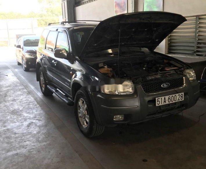Cần bán gấp Ford Escape năm 2002, màu xám, xe nhập còn mới, giá 150tr1