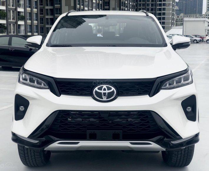 Toyota Fortuner Legender 2021, đủ màu, giao ngay, 395tr có xe0