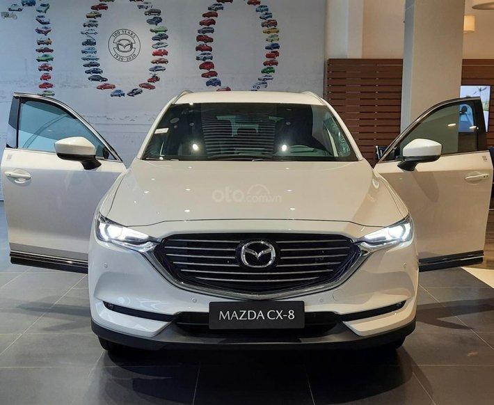 [Mazda Lê Văn Lương] bán xe Mazda CX-8 2.5L Luxury màu trắng, khuyến mại lớn chỉ từ 350 triệu nhận xe ngay0