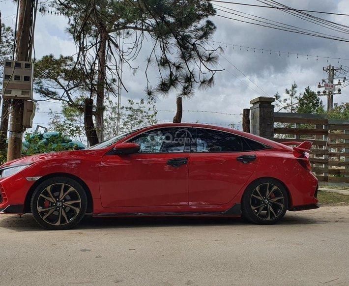 Bán Honda Civic RS Turbo sản xuất 2019 giá cạnh tranh1