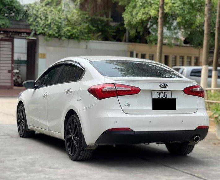 Cần bán lại xe Kia K3 2014, màu trắng, số tự động2