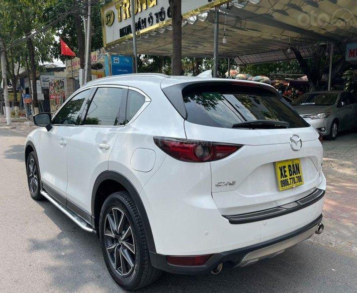 Cần bán gấp Mazda CX 5 đời 2017, màu trắng0