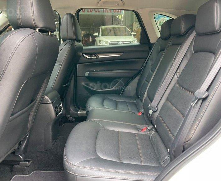 Cần bán gấp Mazda CX 5 đời 2017, màu trắng7