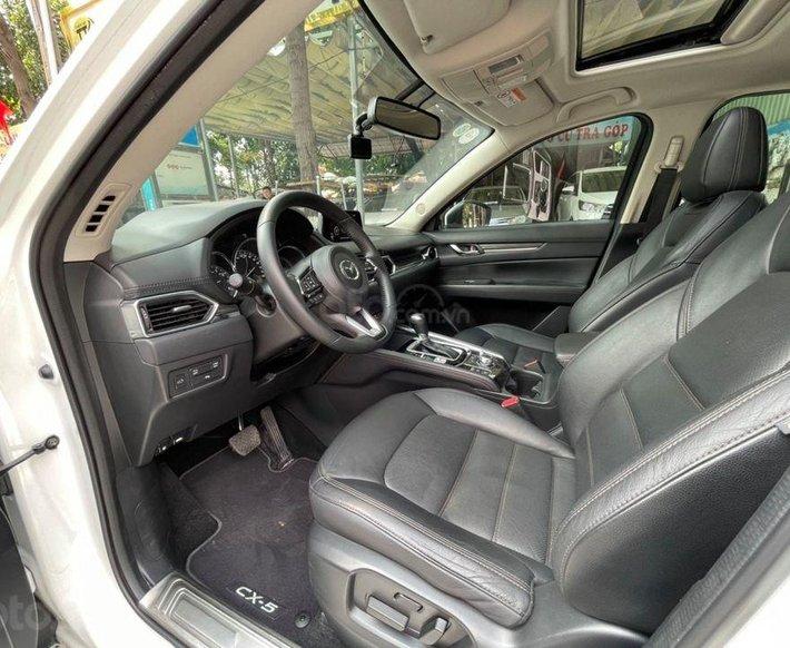 Cần bán gấp Mazda CX 5 đời 2017, màu trắng5