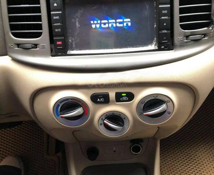 Cần bán xe Hyundai Verna sản xuất 2009, màu trắng, nhập khẩu nguyên chiếc còn mới2