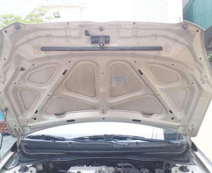 Cần bán gấp Hyundai Verna sản xuất 2010, nhập khẩu còn mới, 216 triệu5