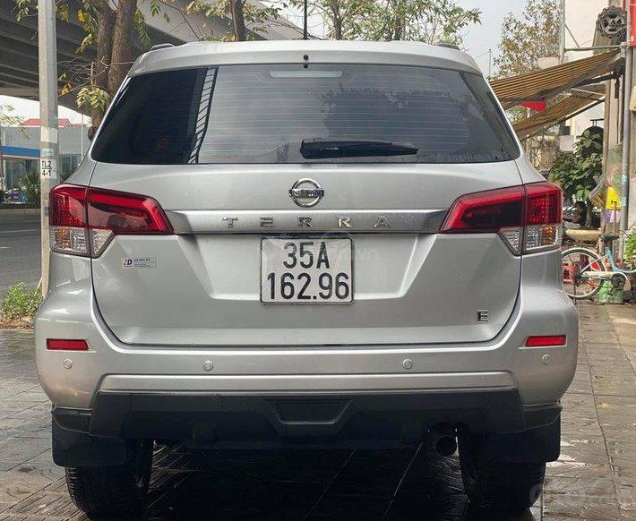 Chính chủ bán Nissan Terra 2018, màu bạc, bao chạy thử cho anh em cảm nhận1