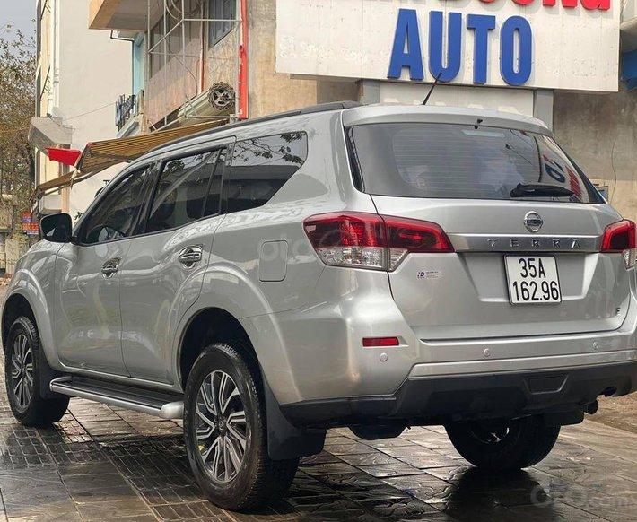 Chính chủ bán Nissan Terra 2018, màu bạc, bao chạy thử cho anh em cảm nhận3