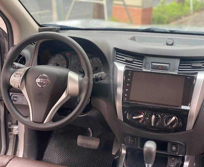 Chính chủ bán Nissan Terra 2018, màu bạc, bao chạy thử cho anh em cảm nhận4