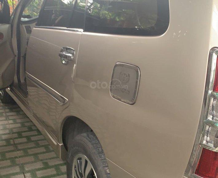 Cần bán lại xe Toyota Innova đời 2015, giá 435tr2