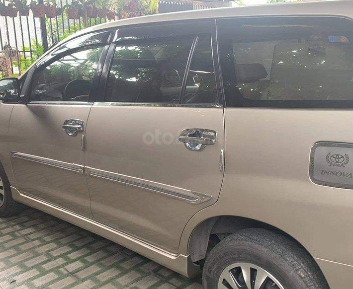 Cần bán lại xe Toyota Innova đời 2015, giá 435tr0