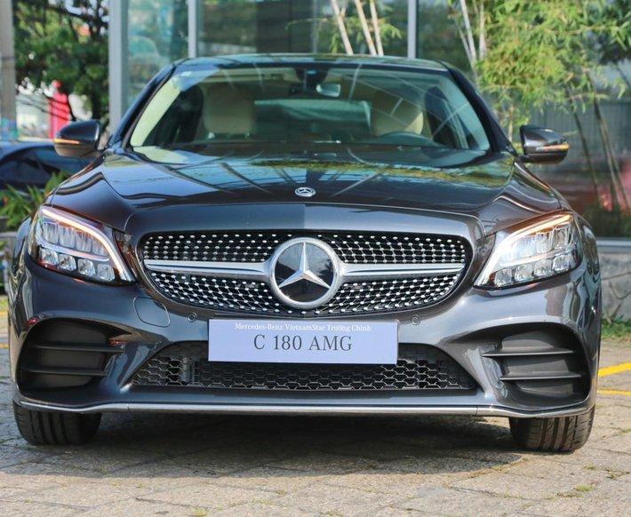Mercedes-Benz C180 AMG new 2021 - xe giao ngay - đủ màu - tặng gói bảo hiểm cao cấp trọn vẹn cho 1 năm0