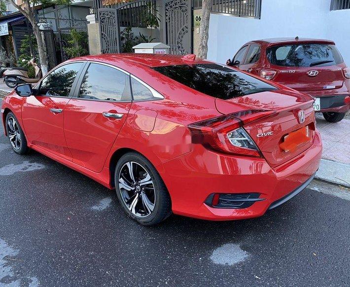 Bán Honda Civic sản xuất 2017, nhập khẩu nguyên chiếc còn mới5