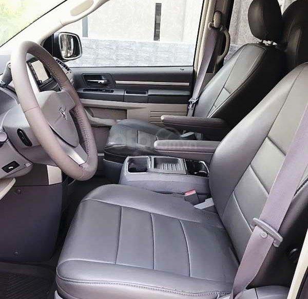 Cần bán gấp Dodge Caravan sản xuất 2008, màu bạc, xe nhập còn mới5