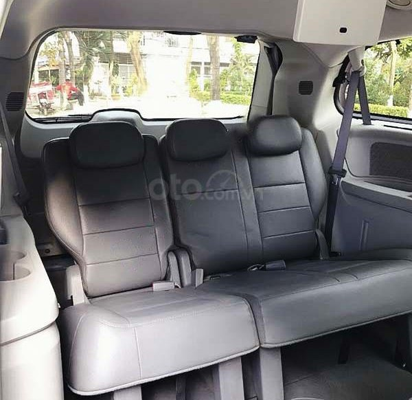 Cần bán gấp Dodge Caravan sản xuất 2008, màu bạc, xe nhập còn mới3