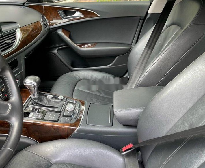 Xe Audi A6 sản xuất 2012, xe nhập còn mới7
