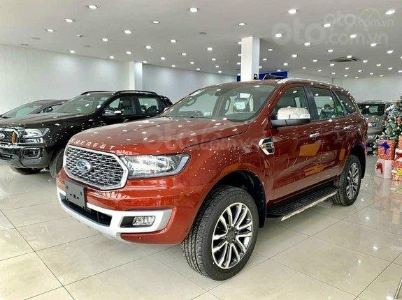 Ford Everest Titanium 2021, khuyến mãi khủng lên đến 80 triệu, tặng thêm phụ kiện, xe đủ màu giao liền3