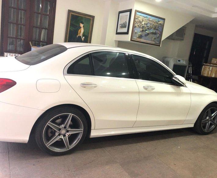 Cần bán xe Mercedes C300 AMG sản xuất 20150
