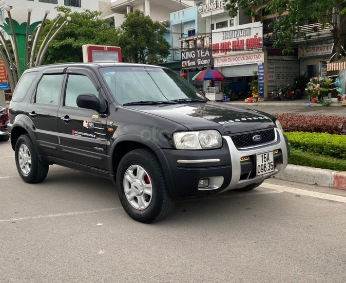 Xe Ford Escape năm sản xuất 2003, 139tr7