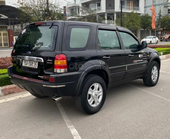 Xe Ford Escape năm sản xuất 2003, 139tr6
