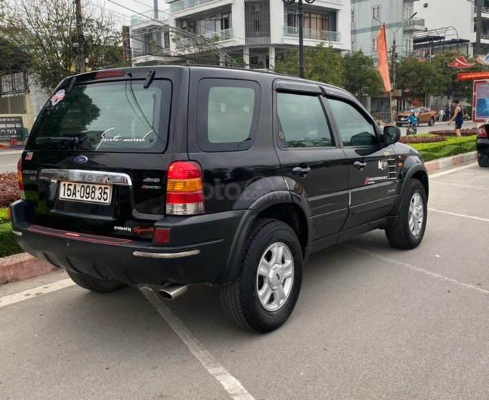 Xe Ford Escape năm sản xuất 2003, 139tr5