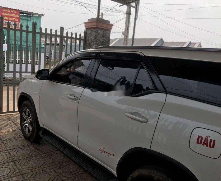 Cần bán xe Toyota Fortuner năm sản xuất 2017, nhập khẩu còn mới, giá tốt0