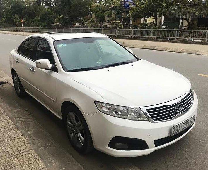 Cần bán gấp Kia Optima sản xuất năm 2011, màu trắng, xe nhập còn mới0