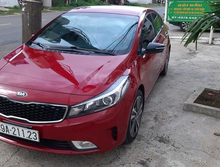 Bán xe Kia Cerato 2018, màu đỏ1
