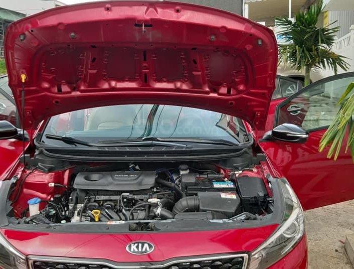 Bán xe Kia Cerato 2018, màu đỏ8