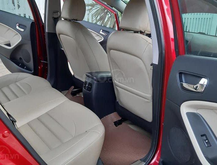Bán xe Kia Cerato 2018, màu đỏ5