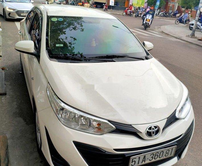 Bán xe Toyota Vios đời 2018, màu trắng xe gia đình0