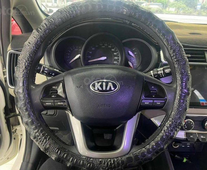 Cần bán lại xe Kia Rio đời 2016, màu trắng4