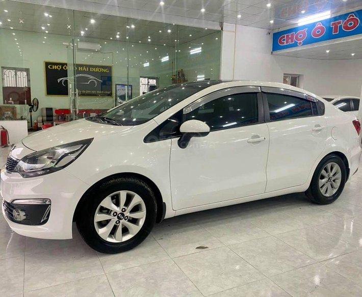 Cần bán lại xe Kia Rio đời 2016, màu trắng0