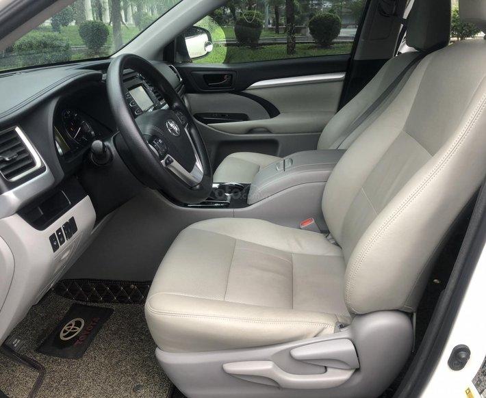 Bán nhanh Toyota Highlander 20166