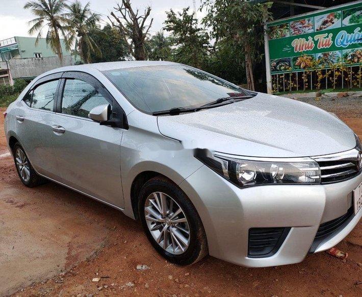 Bán Toyota Corolla Altis năm sản xuất 2016 còn mới, 495tr4